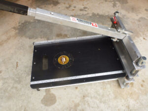 "13""Bullet Tools EZ shear Hardie siding and laminate floor cutter"