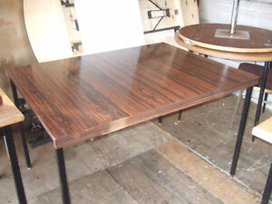 Table 4 ft x 3 ft ONLY $15   -------  Table 5 ft x 30'' ONLY $20