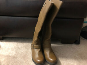 brand new Mossimo boots size 7 woman