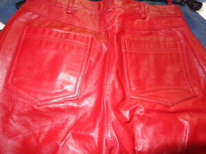 Red Leather ladies pants size 4-   recycledgear.ca Kawartha Lakes Peterborough Area image 4