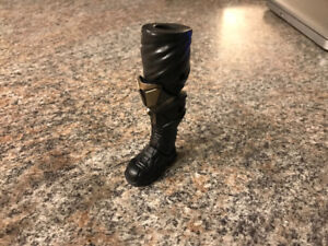 Thanos action figure  right leg from Marvel Legends