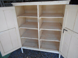 ANTIQUE LINEN CLOSET / JAM CUPBOARD