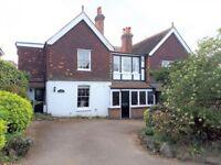 4 bedroom house in Hillside Drive, Gravesend, DA12