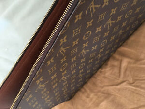 Louis Vuitton Monogram Folder/Bag Authentic!