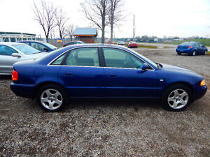 2001 Audi A4 Quattro Luxury Sedan Mint Low miles No Rust! London Ontario image 7