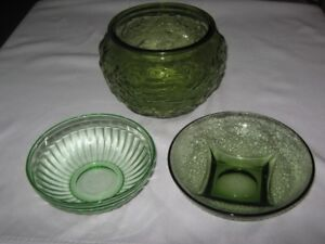 GREEN DEPRESSION GLASS BOWLS.LOT OF 3
