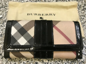 Auth BURBERRY Black Patent Leather Nova Check Long Continent