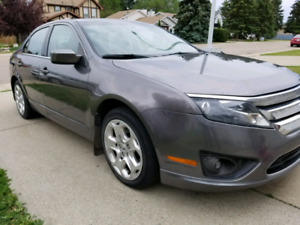 2010 Ford Fusion with low kilometers
