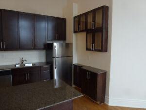 Stinson School Lofts - Fabulous 2 BDRM corner Suite