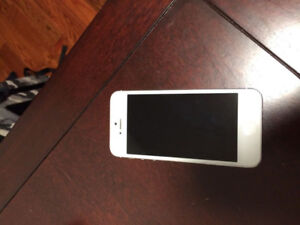iPhone5 16g white unlocked with screen protector