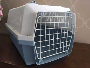 Pet crate for sale in very good condition