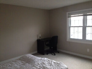 UWO FEMALE ROOMMATE WANTED IN QUIET HOUSE - MAY 1