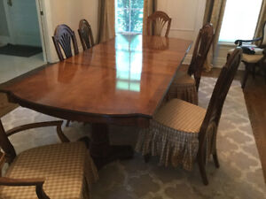 You need this AMAZING solid wood classic dining room set