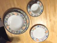 61 piece Mikasa Inatglio dish set