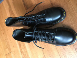 Doc Martens- never worn! Size 4.5 (size 7 in women's size)