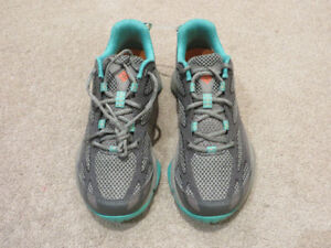 Columbia Women's Techlite Hiking Shoes Size 7