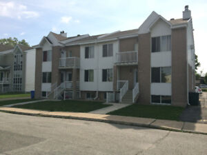 CONDO 5 1/2 STE-THERESE 1 JUILLET 2018 IMMEUBLE POUR 50 ANS+