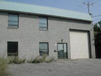Local Industriel / Commercial *5,000 pi ca* à louer au 7325 Maur