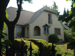 2 BEDROOM +DEN Suite in well located Shaughnessy character house
