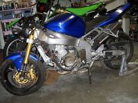 Kawasaki ZX-636R Project Bike