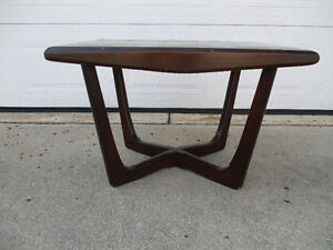 Buy Or Sell Coffee Tables In Windsor Region