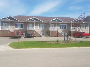 Townhouse 3 Bedrooms 2 baths Over 1440 ft2 WOW!!! $500 off !