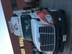 2012 DAY CAB FREIGHTLINER CASCADIA