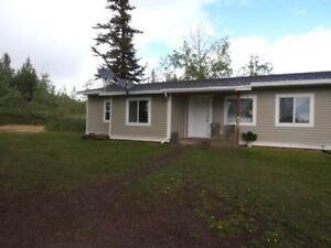 Nice 2 bedroom in triplex (Lac la Hache)