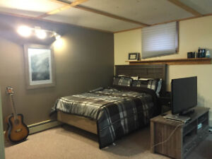 Bachelor in Riverdale - Available Immediately or Feb 1