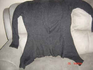 Young Women's Clothing-Sizes from L to XL Regina Regina Area image 8