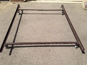 metal adjustable bed frame, will do 3 sizes queen,