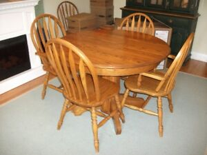 Oak table with 6 chaurs