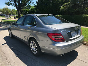 2012 Mercedes-Benz C250 4MATIC with NAVIGATION/BLUETOOTH/SUNROOF