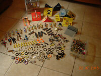 tech deck, skateboard, figurines, bicyclettes