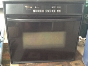 Whirlpool Built in Self Cleaning Stove - Great condition