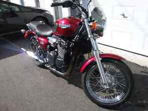 2001 red Triumph 900cc Legend for Sale!  A must see