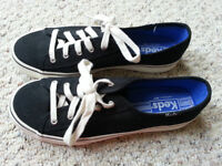 Keds Sneakers Black with White laces -size 8