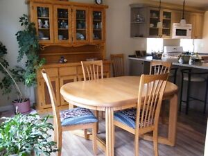 Solid Oak dining table and 6 chairs Reduced price!