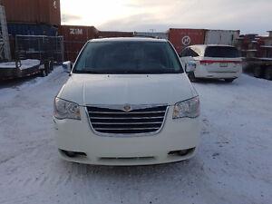 2010 Chrysler Town & Country Touring 4.0L Minivan, Van