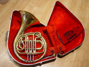Single French Horn, JE Olds&Son