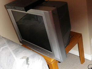 """32"""" RCA crt TV - Very Good Condition $20 w\remoteused for 1 year"""