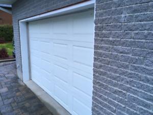 Porte garage 12' X 7'