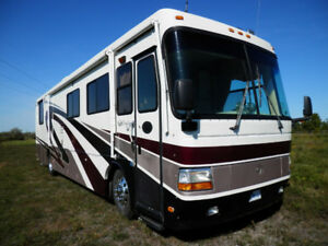 1999 Monaco Windsor Series 38' motorhome