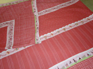 Housse de couette pour lit simple + rideaux + coussins