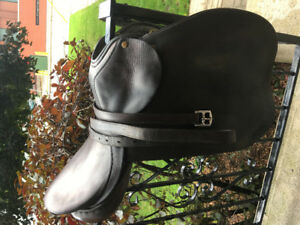 Barclay English Saddle