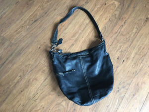 ROOTS LARGE LEATHER HOBO BAG