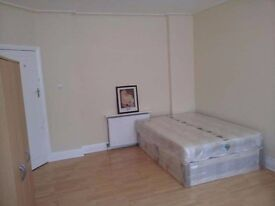 DOUBLE ROOM, NW11, AVAILABLE SOON!