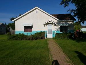 House for rent August 1 in Vegreville