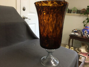 Collectible Antique Large Amber Vase London Ontario image 3