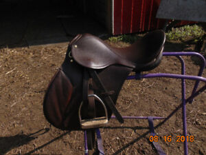 17' English Saddle